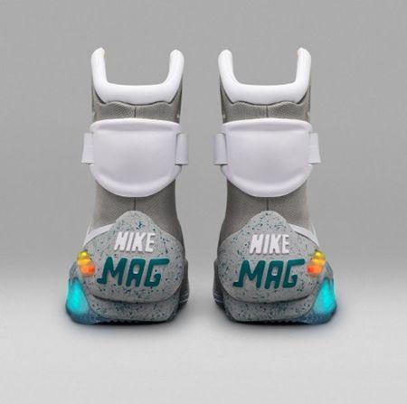 画像3: 『バック・トゥ・ザ・フューチャー』に登場した未来の靴がついに発売決定!