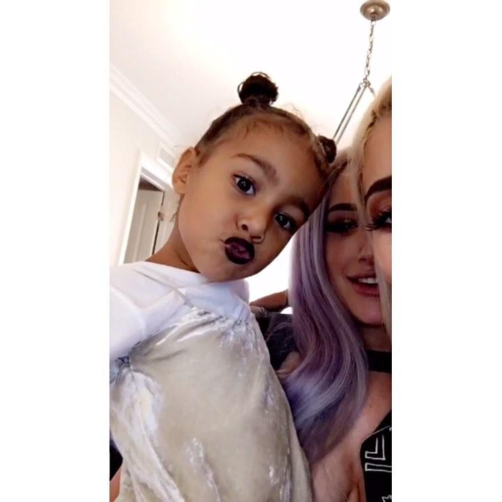 画像1: Instagram投稿の投稿者: Kylie Jenner Snapchatsさん 日時: 2016 10月 16 10:15午後 UTC www.instagram.com