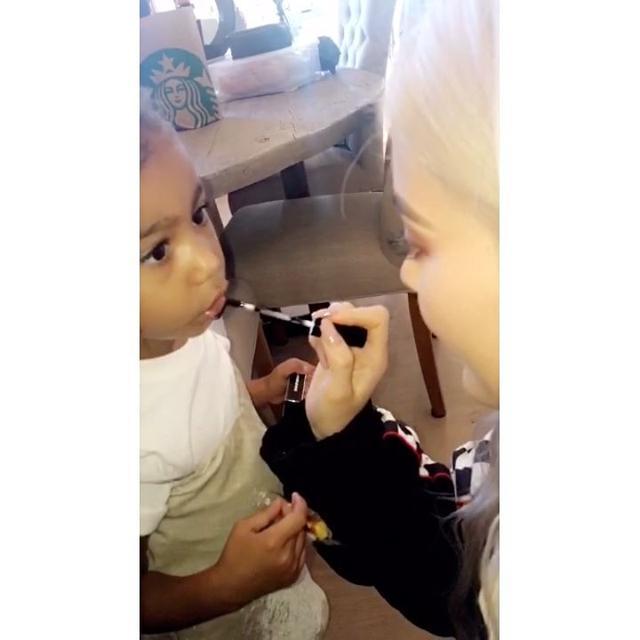 画像1: Instagram投稿の投稿者: Kylie Jenner Snapchatsさん 日時: 2016 10月 16 10:13午後 UTC www.instagram.com