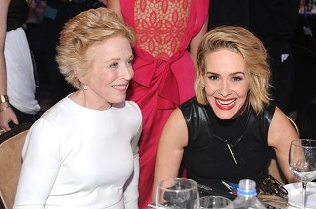 画像: 授賞式ではいつも楽しそうに笑い合っている。