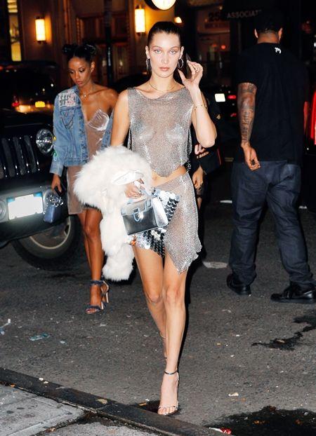画像2: ベラ・ハディッドが誕生日パーティに着た凄すぎるドレスとは?