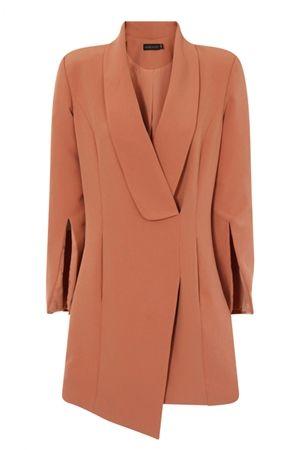 画像2: カイリー・ジェンナー、チャリティイベントに着ていったドレスは9,100円