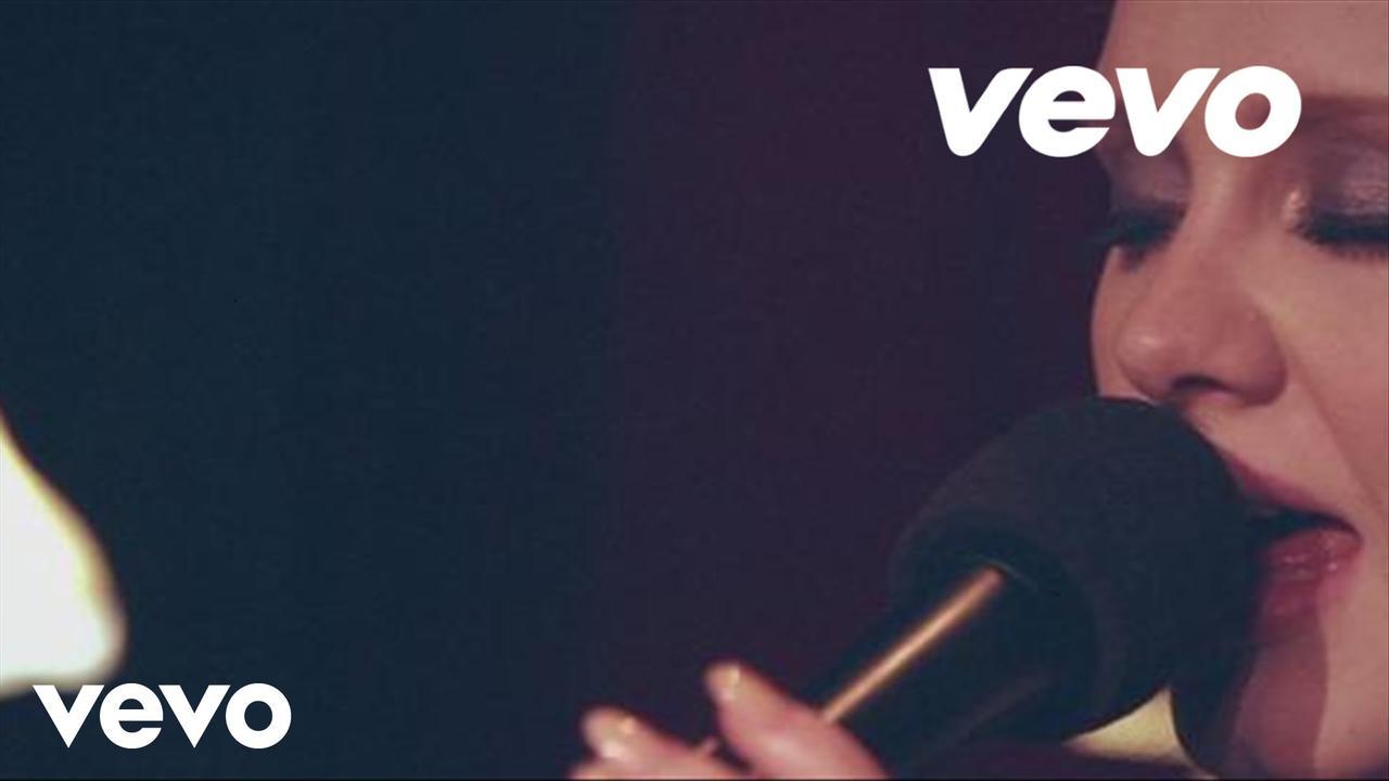 画像: Adele - Don't You Remember (Live at Largo) youtu.be