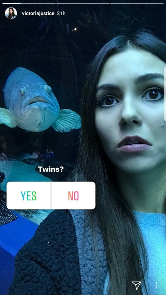 画像1: 人気女優ヴィクトリア・ジャスティス、水族館で撮った一枚が絶妙すぎる