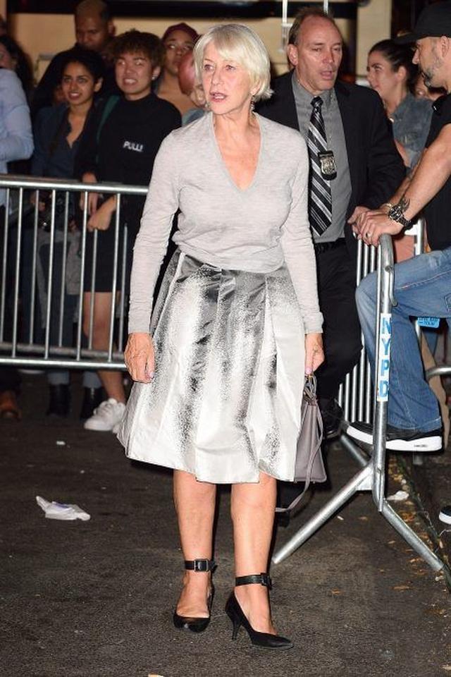 画像: イギリスの権威ある大英帝国勲章を受勲した、映画『ヒッチコック』の女優ヘレン・ミレンも訪れた。