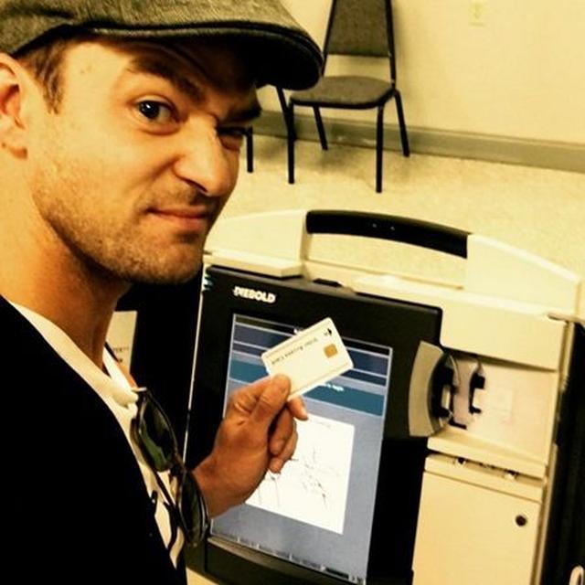 画像: ジャスティンが投票所から投稿した写真。