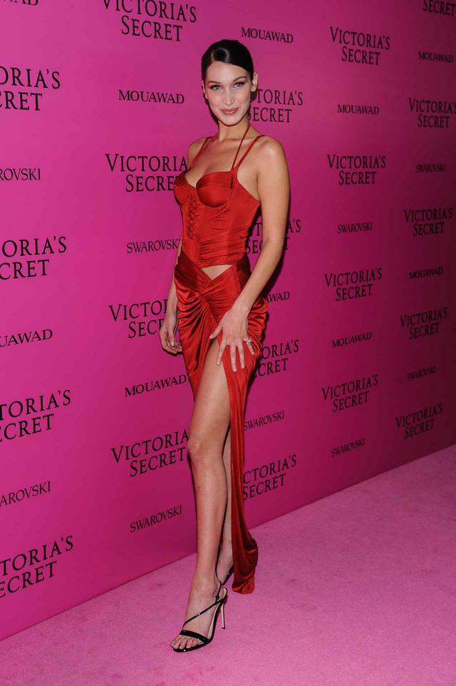 画像12: ヴィクシーショー2017、アフターパーティの豪華ドレス姿を拝見【VSショー】