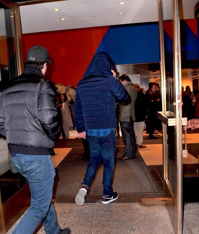 画像3: レオナルド・ディカプリオが510億円のレオナルド・ダ・ヴィンチの競り会場に紛れ込んでいた【写真】