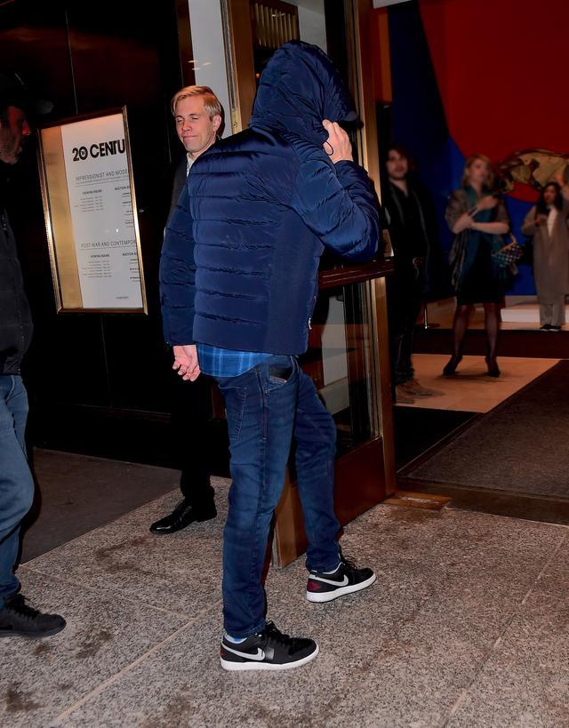 画像2: レオナルド・ディカプリオが510億円のレオナルド・ダ・ヴィンチの競り会場に紛れ込んでいた【写真】