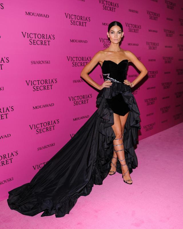 画像6: ヴィクシーショー2017、アフターパーティの豪華ドレス姿を拝見【VSショー】