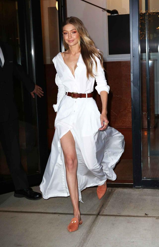 画像3: ジジ・ハディッド、白で身を包んだ最新ファッションがオシャレ