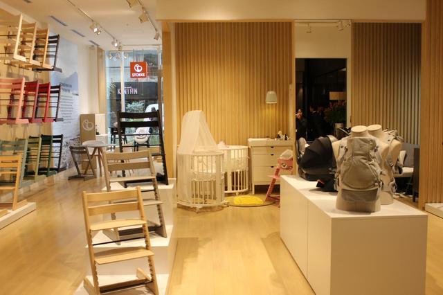 画像1: ストッケ青山店オープン記念で撮影会