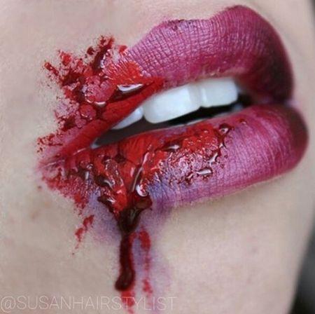 画像: 紫のアイシャドーと血のりを使い、まるで殴られたようにリアルに見せて。 @susanhairstylist