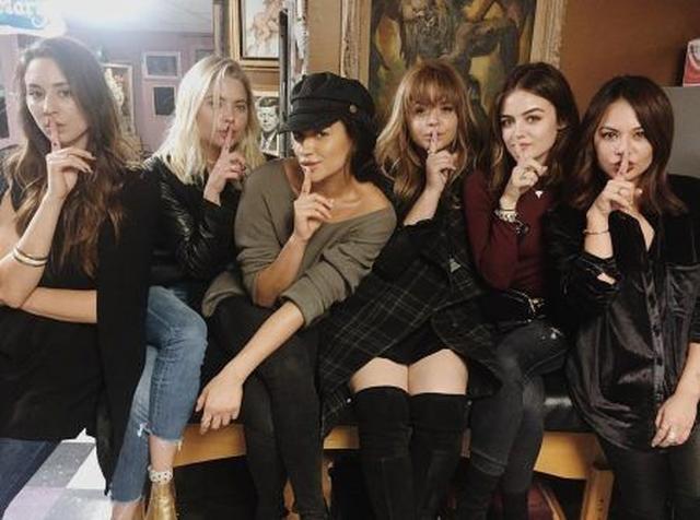 画像: 左から:トローヤン、アシュレイ、シェイ、サーシャ、ルーシー、ジャネル。 ⒸLucy Hale