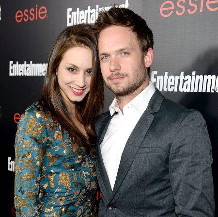 画像: トローヤンが近々結婚を予定しているのは、2009年の舞台での共演がきっかけで交際をスタートし、今年1月に婚約したドラマ『スーツ』の俳優パトリック・J・アダムス。