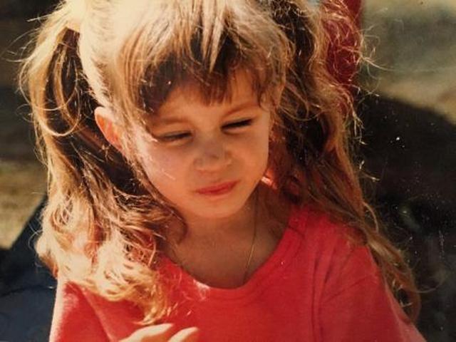 画像: 幼いころのトローヤン。