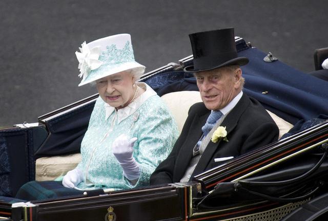 画像7: 祝結婚70周年!エリザベス女王&フィリップ殿下の結婚当初から写真で振り返り