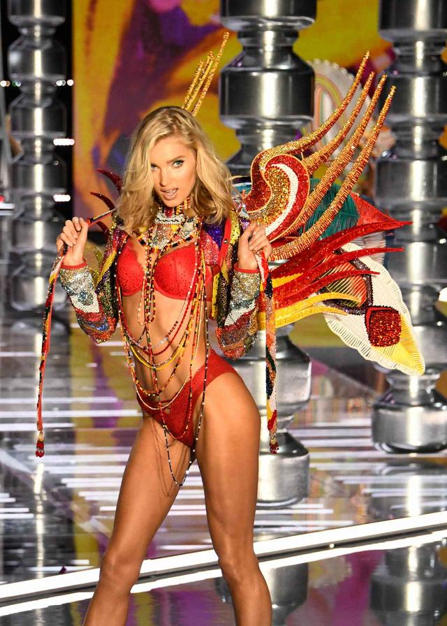 画像1: 「世界最大の下着の祭典」に出演したトップモデルたちが続々来日