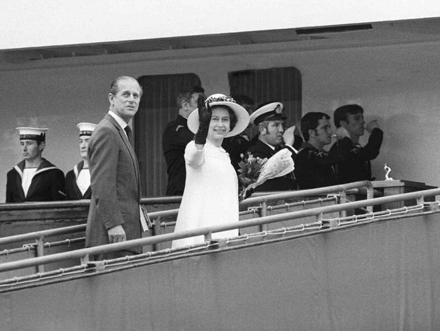 画像4: 祝結婚70周年!エリザベス女王&フィリップ殿下の結婚当初から写真で振り返り