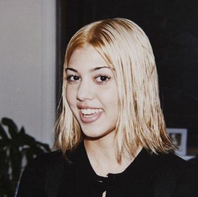 画像: カイリーが公開した若かりし頃のコートニーの写真。