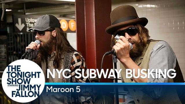 画像: Maroon 5 Busks in NYC Subway in Disguise www.youtube.com