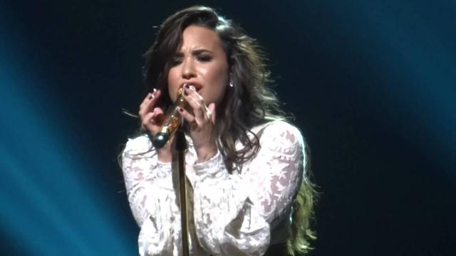 "画像: ""When We Were Young"" (Live Future Now Tour Cleveland 9/2/16) - Demi Lovato youtu.be"