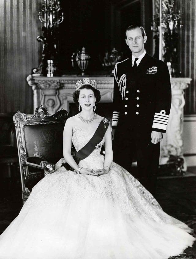 画像2: 祝結婚70周年!エリザベス女王&フィリップ殿下の結婚当初から写真で振り返り