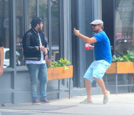 画像: レオナルド・ディカプリオが俳優ジョナ・ヒルに道でドッキリを仕掛ける