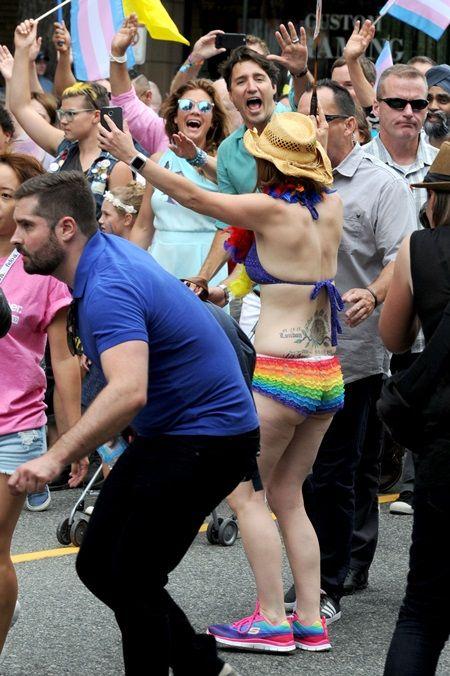 画像7: カナダ首相として初参加、トルドー首相がゲイプライドでテンションぶち上げ
