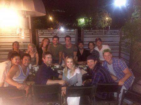 画像: チェイスの誕生日パーティの写真。前列の左端にいるのがジェシカとスコッティ。