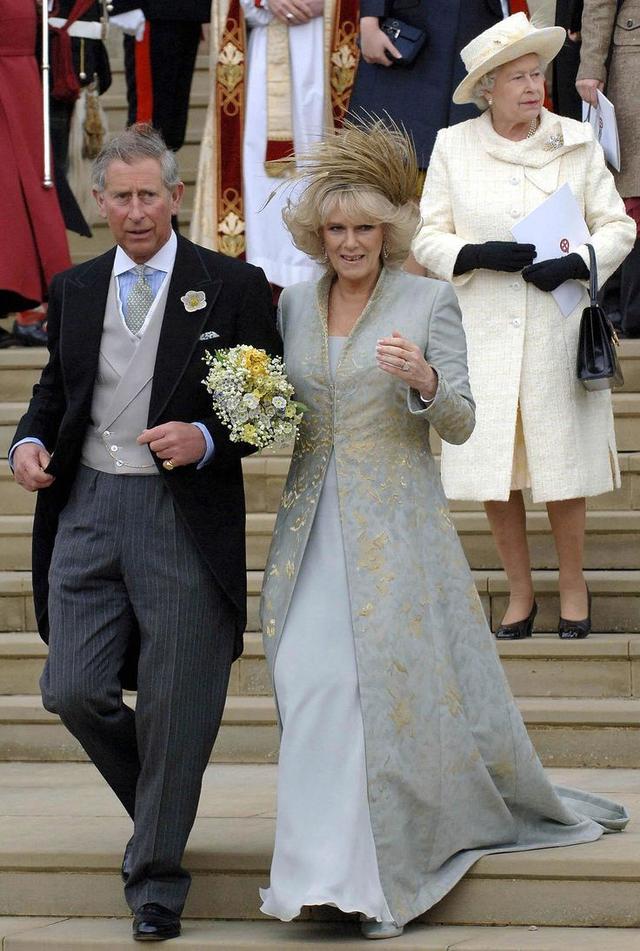 画像: 2005年のチャールズ皇太子とカミラ夫人のウェディング。