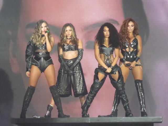 画像: ヨーロッパとオセアニアで全75公演を行い完売続きだったThe Glory Days Tourは、11月にロンドンで幕を閉じた。(写真は10月のスコットランド公演)