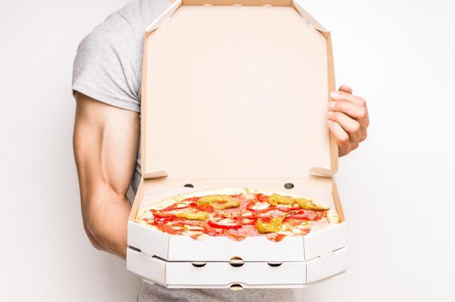 画像: 宅配ピザの配達員から…