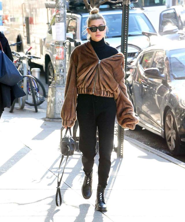 画像1: 人気モデルが提案、ファージャケットの最旬着こなしがオシャレ