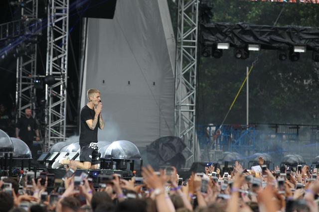 画像: 大勢の人が集まるコンサートが標的に