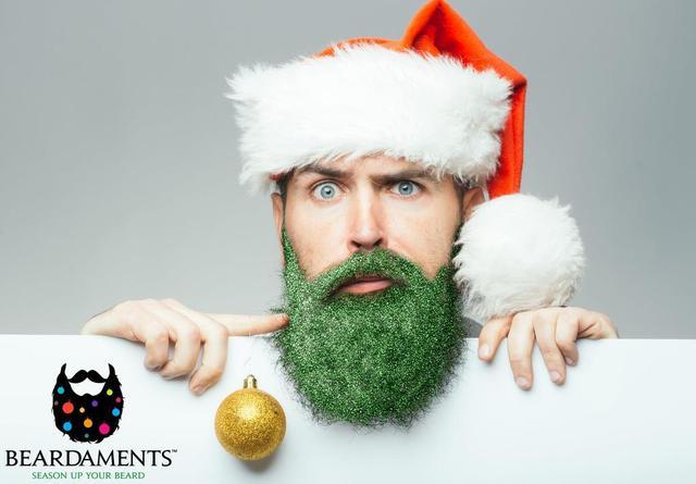 画像3: ひげがクリスマスツリーに!?