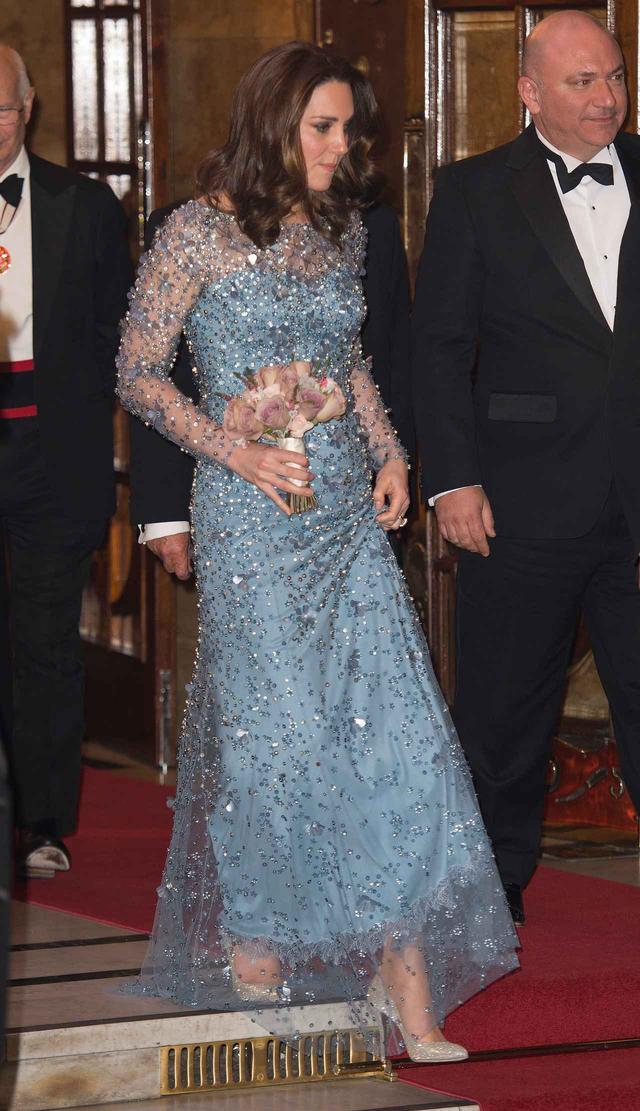 画像3: キャサリン妃の最新ドレススタイルが「現代版エルサ」だと絶賛
