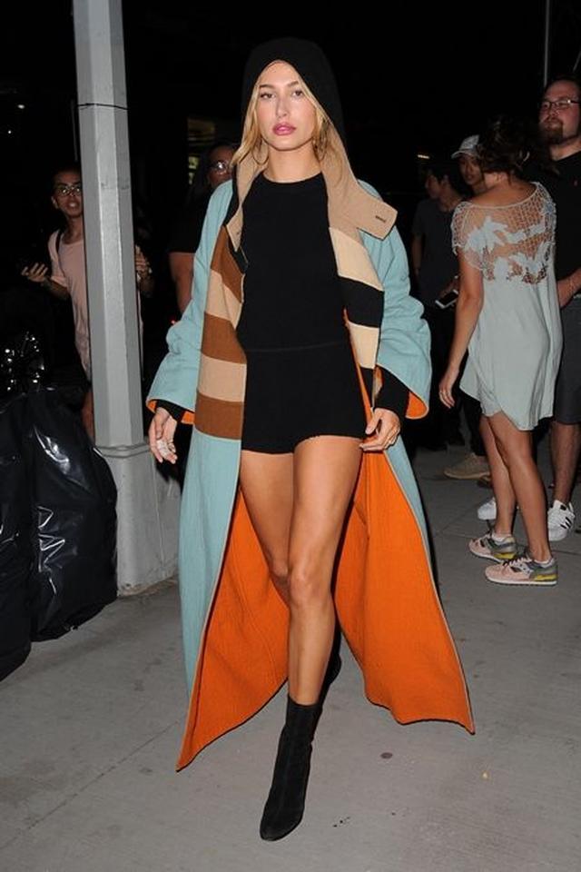 画像: 9月7日 モデルのヘイリー・ボールドウィン @NY 友達と夜遊び