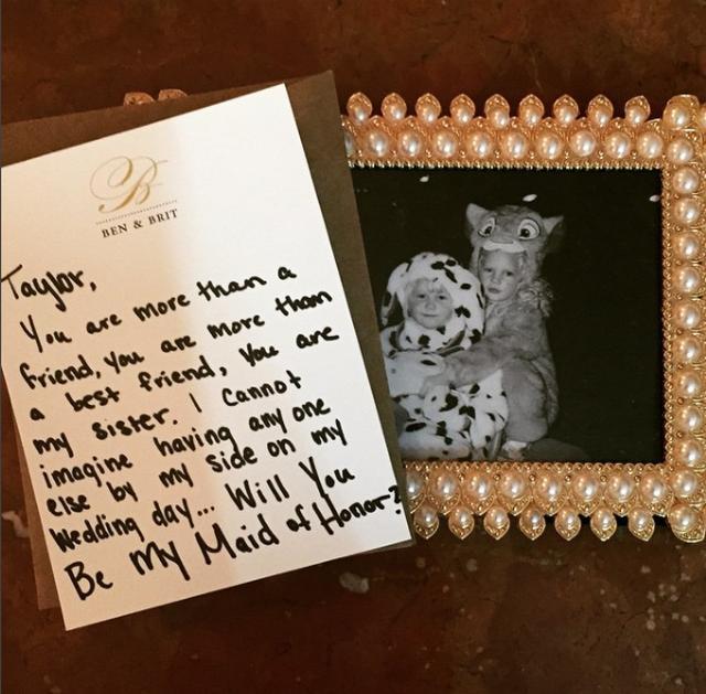 画像: 手書きの手紙を受け取るのも好き! こちらは、親友から届いた手紙。
