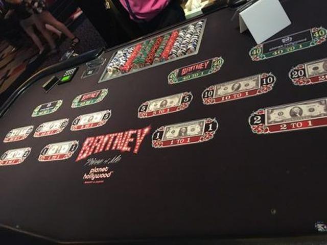画像2: 2 ブリトニーとギャンブルできる