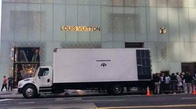 画像: NYに現れた販売トラック。
