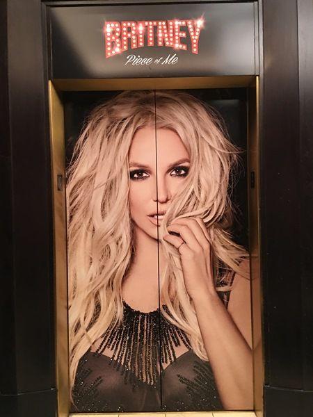 画像1: 3 エレベーターまでブリトニー
