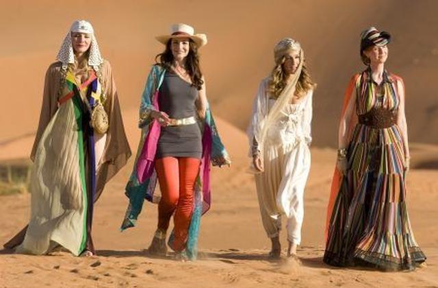 画像: ドバイの砂漠で撮影された『SATC2』のワンシーン。