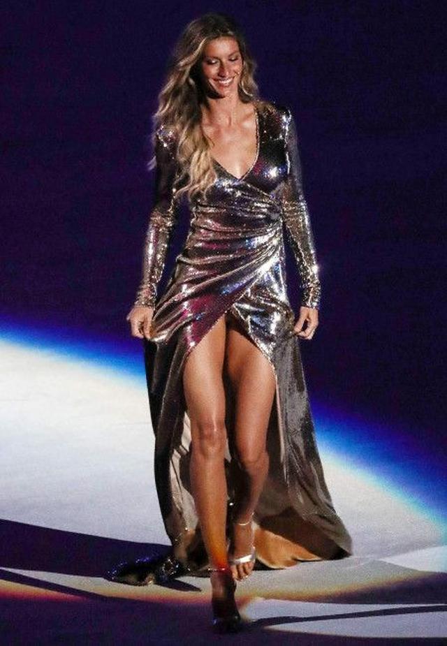 画像1: 世界一稼ぐモデル、ジゼル・ブンチェンがリオ五輪の開会式で一夜限りの復帰