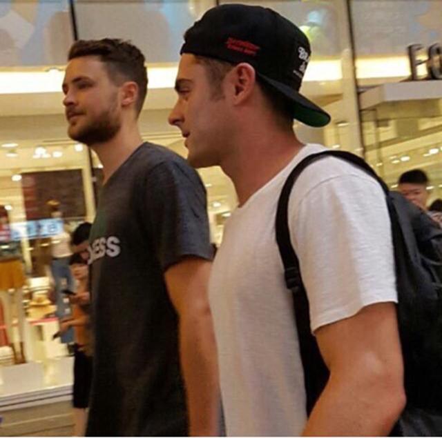 画像: 弟と大阪観光。