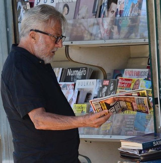 画像3: 【写真】あのオスカー俳優がゴシップ誌を物色 読んでいた記事は