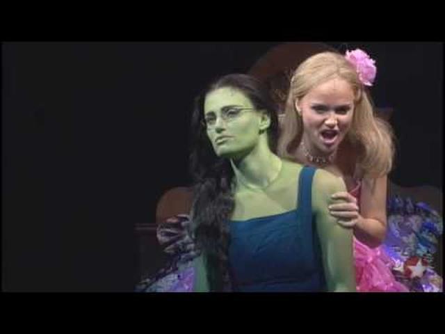 画像: Wicked - Popular PROSHOT - Kristin Chenoweth youtu.be