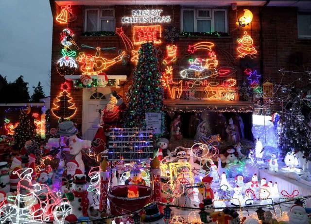 画像1: 一般人が本気でクリスマスの飾りつけをするとこうなる