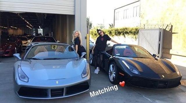 画像: カイリーは19歳、姉のケンダルもまだ20歳という若さながら、高級車をお揃いでゲット。