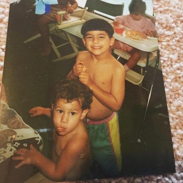 画像: 左が弟、右が兄。